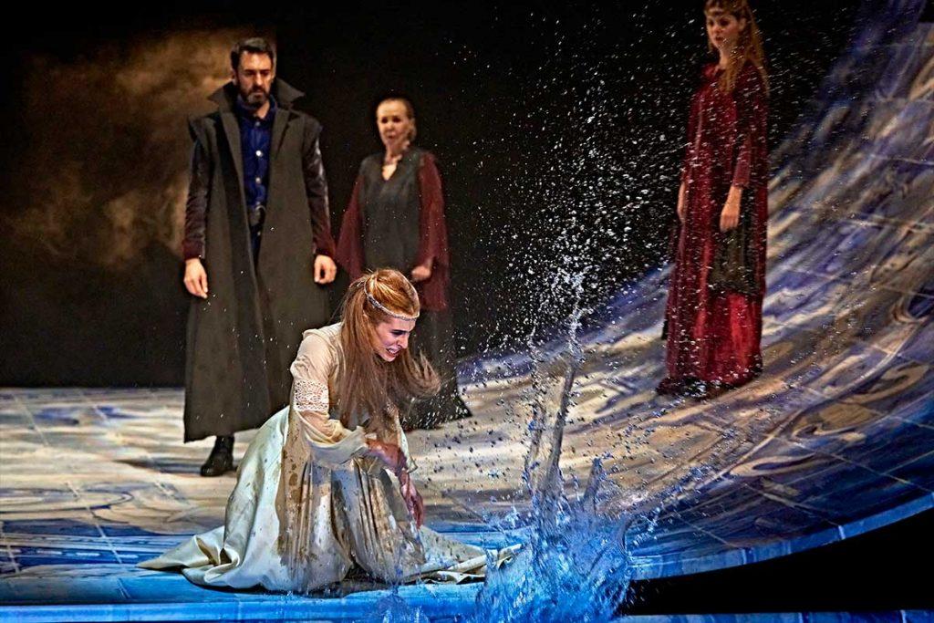 Teatro Madrid, Teatro de la Comedia, Reinar después de morir