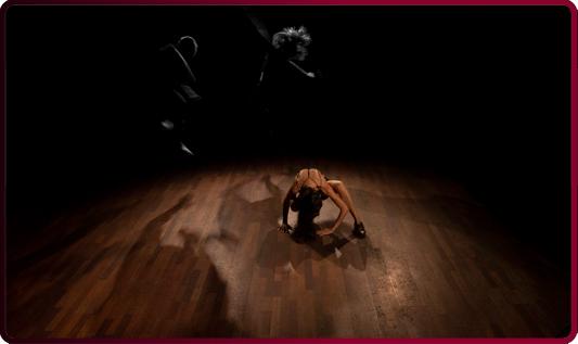 improrrogable-barcelona-danza-teatre-almeria-sumario-de-memoria-y-cicatrices