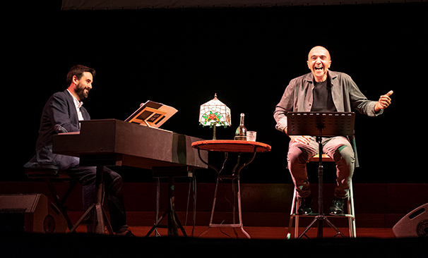 improrrogable-barcelona-teatro-arts-santa-monica-llach-poeta