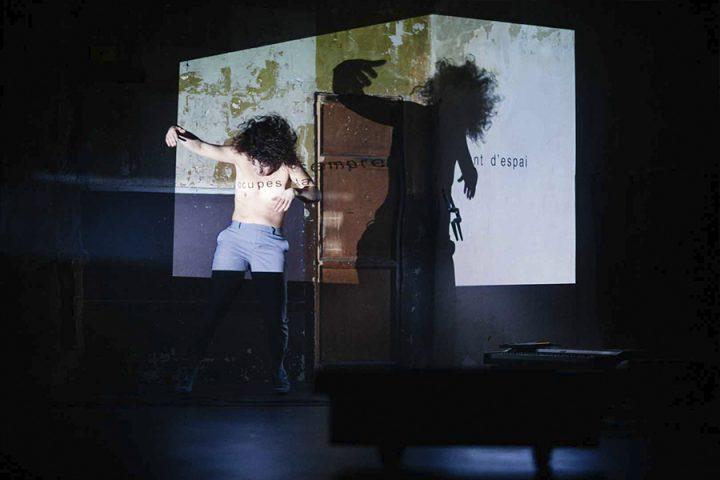 Suite Toc núm 6, de Les impuxibles en la Sala Beckett