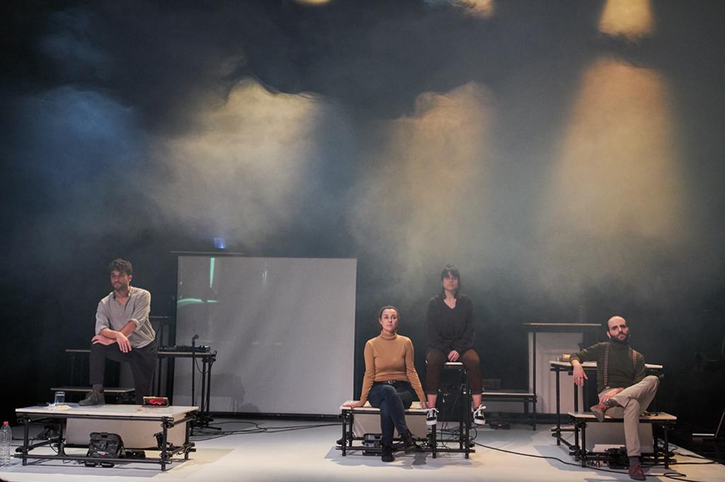 improrrogable-barcelona-teatro-akademia-de-grec-a-grec-winnipeg